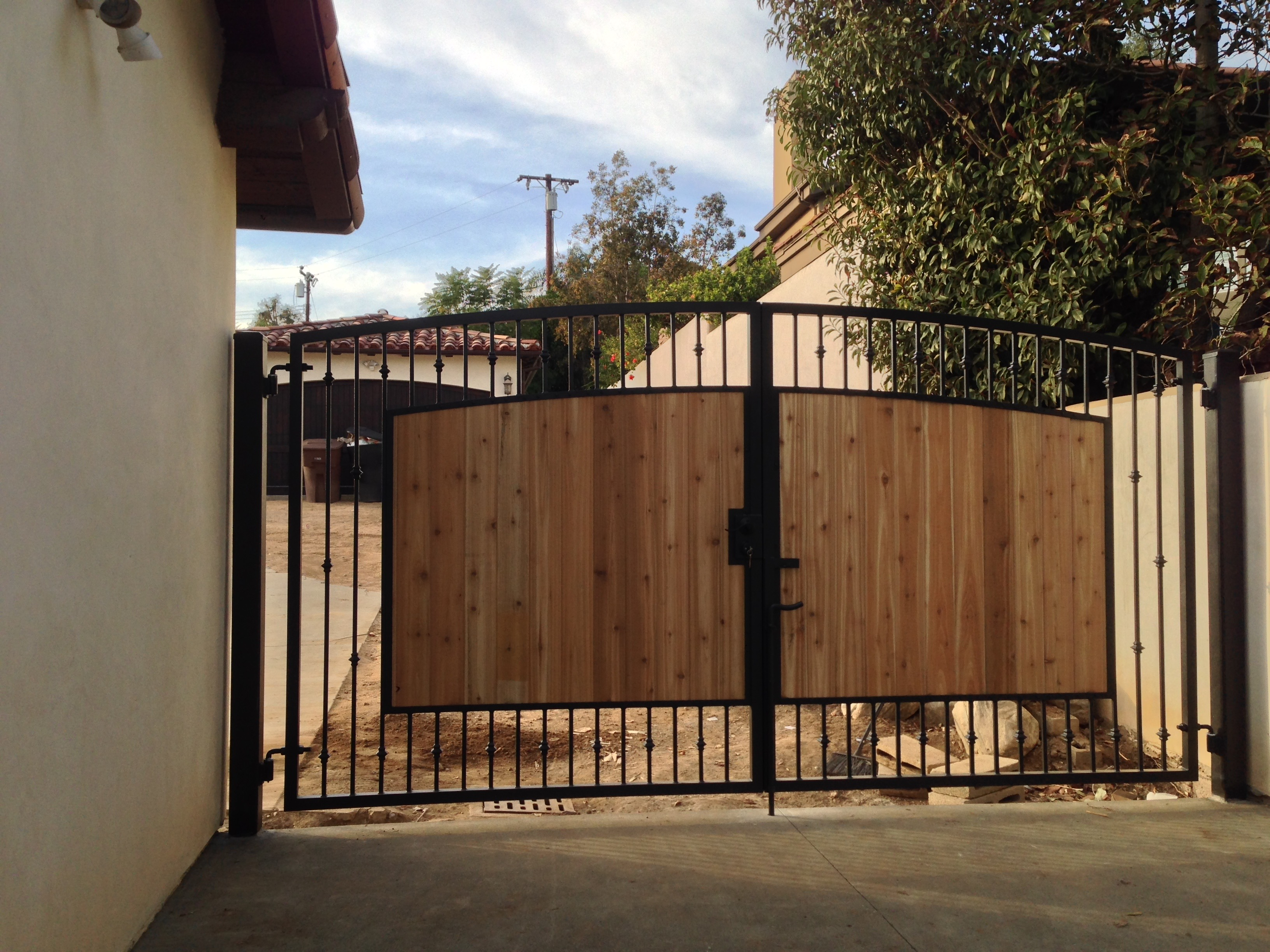 Roberts Iron Works - Gate with Center Wood